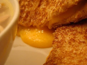 grilled cheese - close